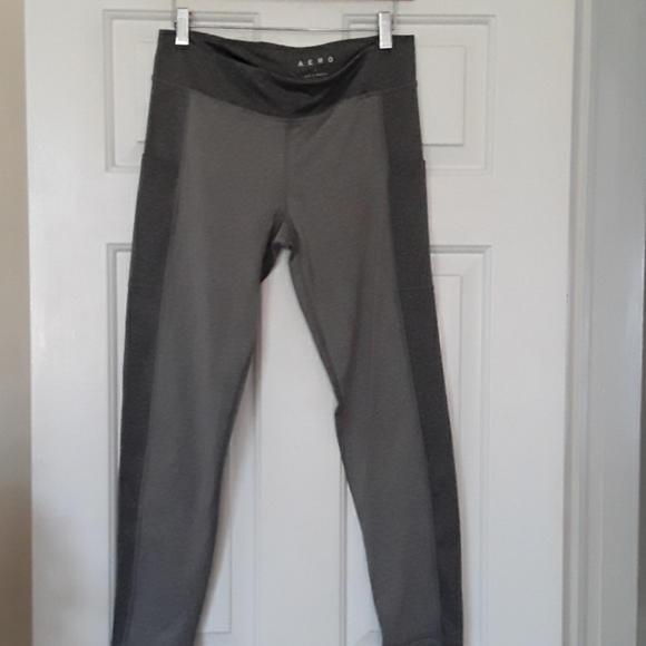 Aero gray leggings with pockets